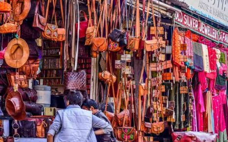 shopping markets of mathura