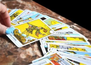 celebrity tarot card reader in mumbai