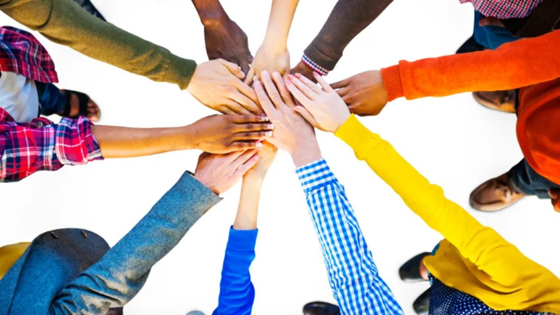 5 Ways helping others can actually help your Business